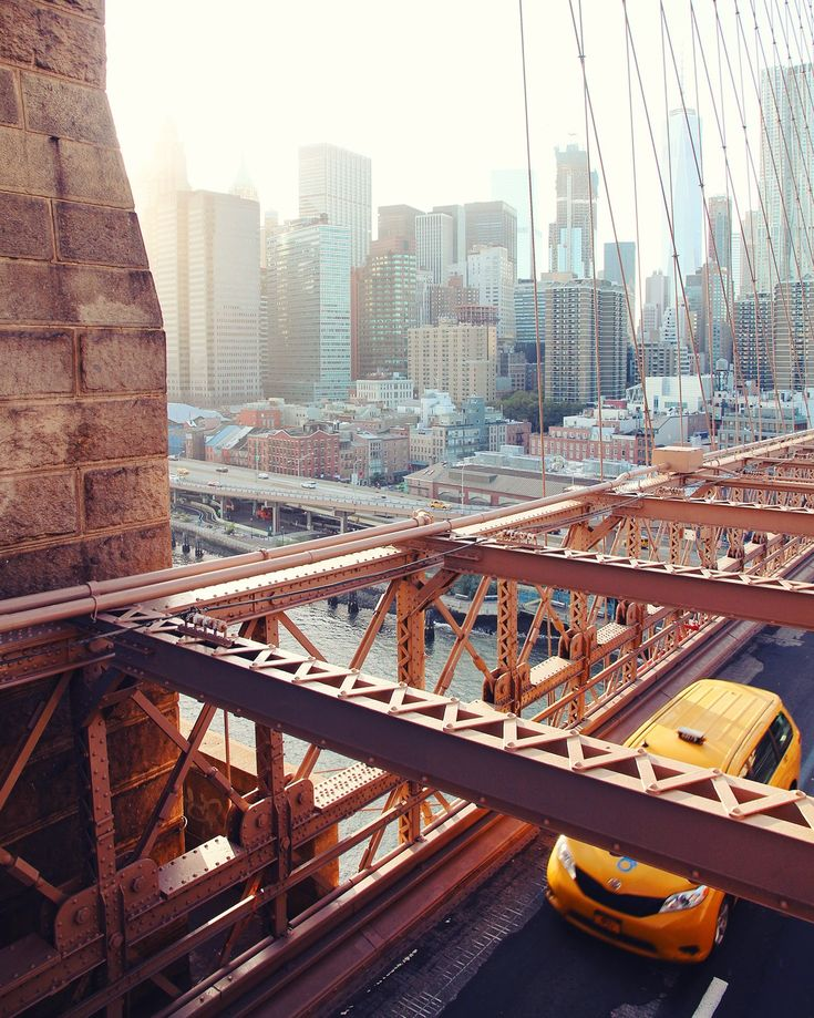 Brooklyn Bridge / Where to find the best photo spots in NYC! / A Globe Well Travelled