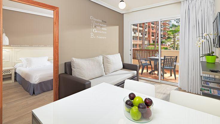 Salón del Apartamento / Living Room Apartment #h10 #h10hotels #salou #h10mediterraneanvillage