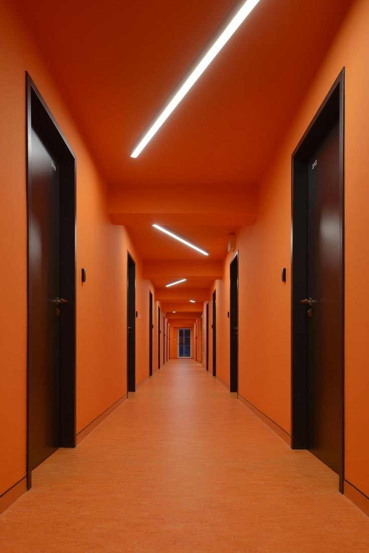 A hall in the K BOTICI student dormitory in Prague. Principal architects: Ludvik Seko, Jan Schindler.
