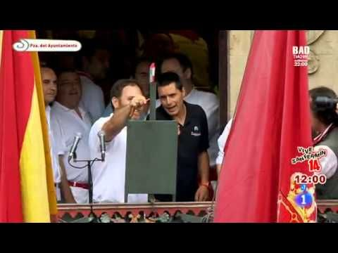El chupinazo inaugura San Fermín 2014 - YouTube