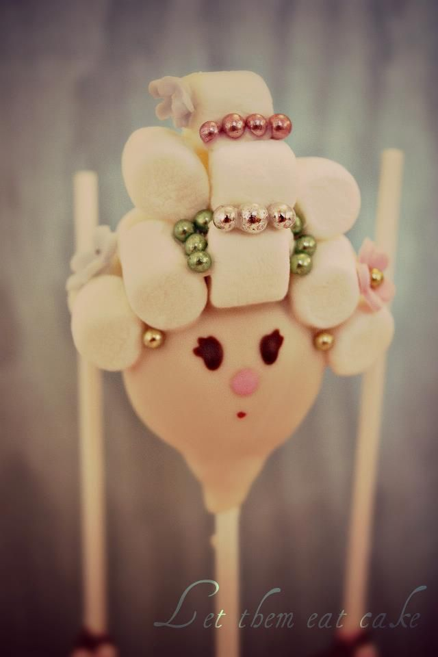 Marie Antoinette cake pops by Evie & Mallow www.evieandmallow.com