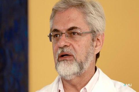 José Ruguê é medico e especialista em ayurveda. Nesta entrevista, o expert fala sobre os diferentes tratamentos adotados pela prática indiana: biológico (alimentação e estilo de vida), psicológico