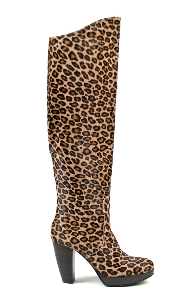Leopard boot