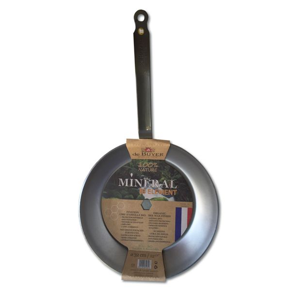 De Buyer's heavy-duty iron frying pan has a beeswax coating which is a natural protecting agent against oxidation. The longer you use this pan for, the better t