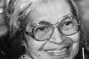 Rosa Parks foi a personagem principal do ato que marcou o início da luta antissegregacionista nos Estados Unidos. Em dezembro de 1955, Rosa recusou-se a ceder seu lugar num ônibus para uma pessoa branca e foi expulsa do veículo. A partir daí, iniciou-se o Boicote aos ônibus de Montgomery e muitas outras ações pró-igualdade em solo americano.
