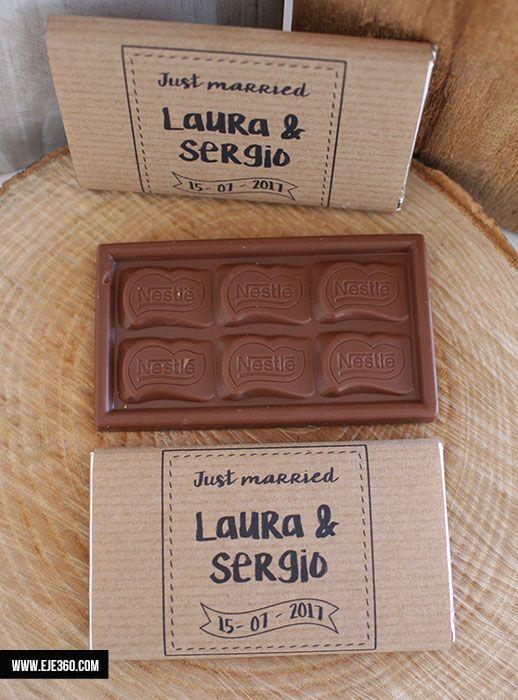 Tabletas de chocolate personalizas con vuestros nombres y la fecha de la boda, un detalle muy dulce para vuestros invitados
