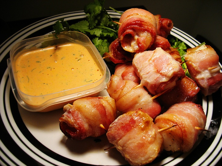 bacon wrapped scallops with sriracha mayo | Food I Must ...