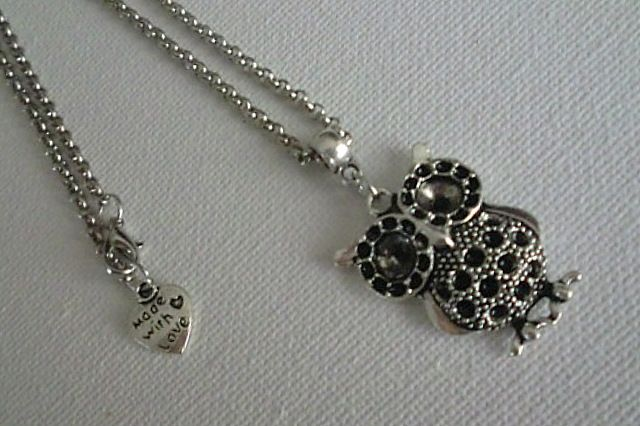 Owl - necklace handmade by Miss Daisy