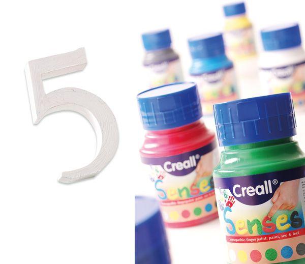 Farba sensoryczna - 500 ml – biała 305-5075 Małe drobinki dają niesamowite wrażenia sensoryczne przy malowaniu palcami. Świetnie będzie także imitować lukier na liczmanach a la pierniczki. http://www.sklep.educarium.pl/educarium.php?section=1&kategoria=22&subkategoria=99&produkt=17248
