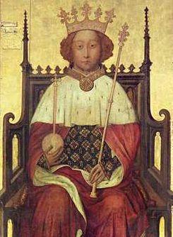 Ricardo II de Inglaterra --Enrique V fue nombrado caballero en dos oportunidades. La primera fue a los 12 años de edad, en medio de un campo de batalla irlandés (1399), por la espada de Ricardo II. El rey inglés llevaba al joven Enrique al combate en calidad de rehén para garantizar el buen comportamiento de su padre Enrique de Lancaster opositor politico de la corona