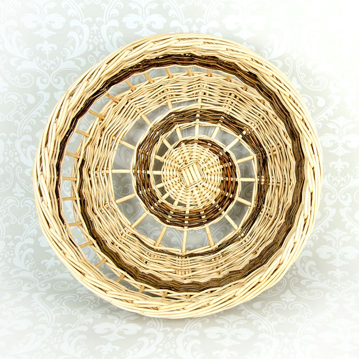 Spiral open weave tray
