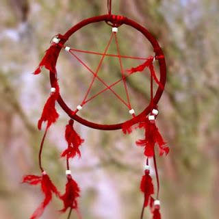 Recycle Reuse Renew Mother Earth Projects: How to Make a DreamCatcher