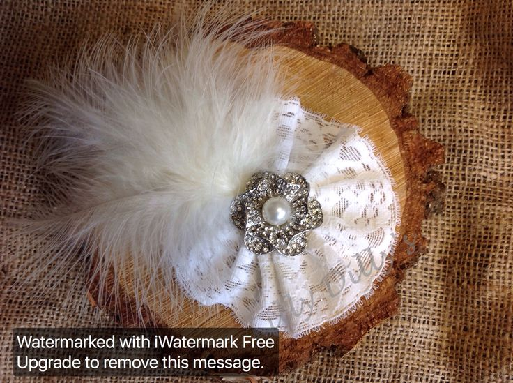 Handmade bespoke couture bridal hair pieces from Lilly Dilly's x #bride #wedding #accessories #hair #vintage #pearls #diamantes #unique #bespoke #couture #slide #feathers