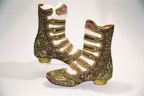 dream boots....Dreams Boots, Curator Fashion, Shoes Collection, Products I Lov, High Shoes, Shoes Museums, Shoes Manufactured, Smash Fashion, Ottoman Velvet