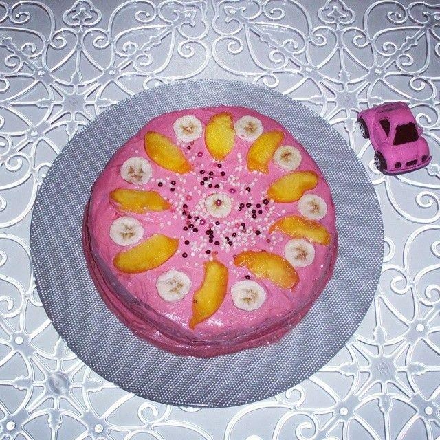 Sahur vakti pasta Yapan kaç kisi Vardır acaba?  :) # Sunumönemlidir #sunumonemlidir #meyveli # çikolatalı #pembe #pasta #pembe #vosvos :)