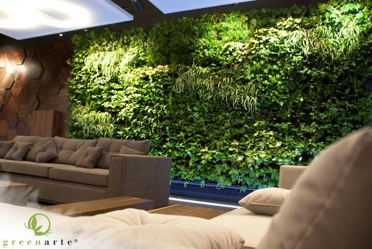 Roślinna ściana w pomieszczeniu wypoczynkowym - maj 2014
