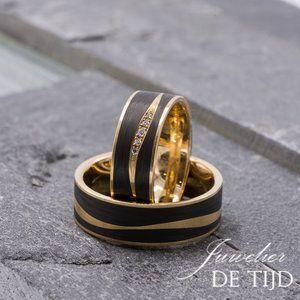 Zwarte trouwringen met diamanten