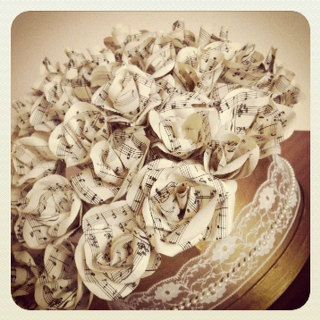 Outlived Ad of the day: A beautiful hatbox full of paper roses made from the blue danube sheet music using approx 40 roses  Price: £75.00 Location: Peterborough, UK  More: https://www.outlived.co.uk/ads/hatbox-of-paper-roses/