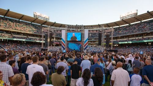 Harvest America: Christians Celebrate Changed Lives at History-Making Event