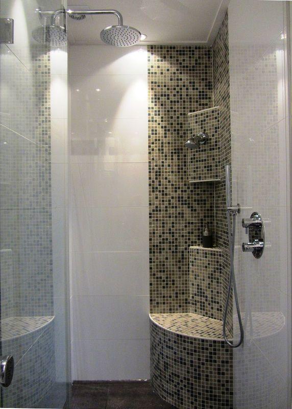 Douchehoek met zitdouche badkamer pinterest badkamer - Badkamer modellen met italiaanse douche ...