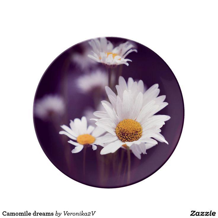 Camomile dreams plate. photo, photography, artwork, buy, sale, gift ideas, camomile, flowers, divination, love, violet, purple, liliac, white, dreams, bright, colorful, glow, petals, dark, home, decor, plate