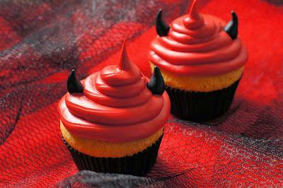 Confetin Halloweenblogi: Paholaisen muffinit http://confetinhalloweenblogi.blogspot.fi/2013/10/paholaisen-muffinit.html?utm_source=Pinterest&utm_medium=Wallpost&utm_content=paholaisenmuffinit&utm_campaign=PIN-2015