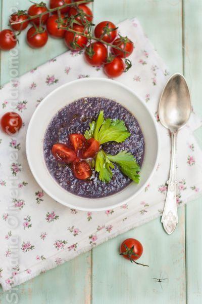 Zuppa di cavolo viola con quinoa