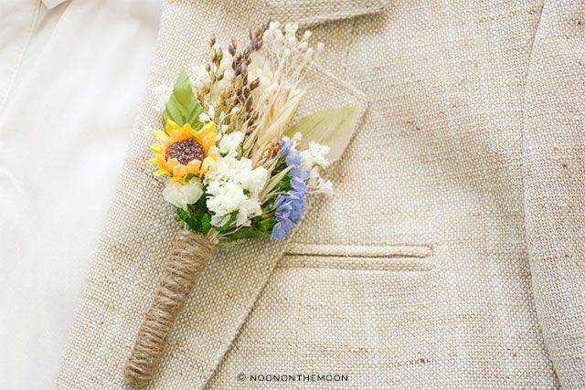 Lovely mini sunflower boutonniere | The A to Z Guide to Planning an Etsy Wedding