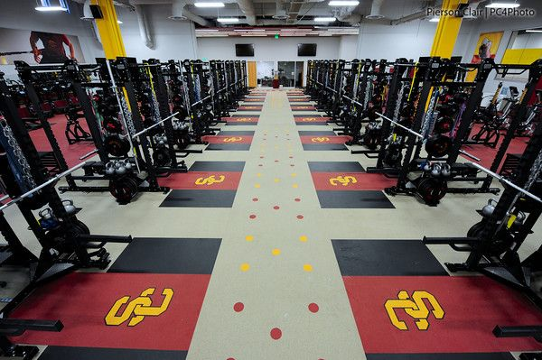 Google Image Result For Http Www Lifefitness Com Static Assets Image Showcase Facilitie Commercial Flooring Rubber Flooring University Of Southern California
