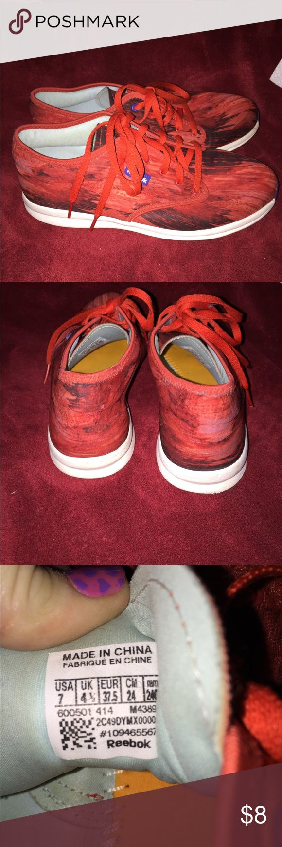 EUC WOMEN REEBOK SIZE 7 These r excellent used condition size 7 Reebok smoke free home no trade price is firm Reebok Shoes Athletic Shoes