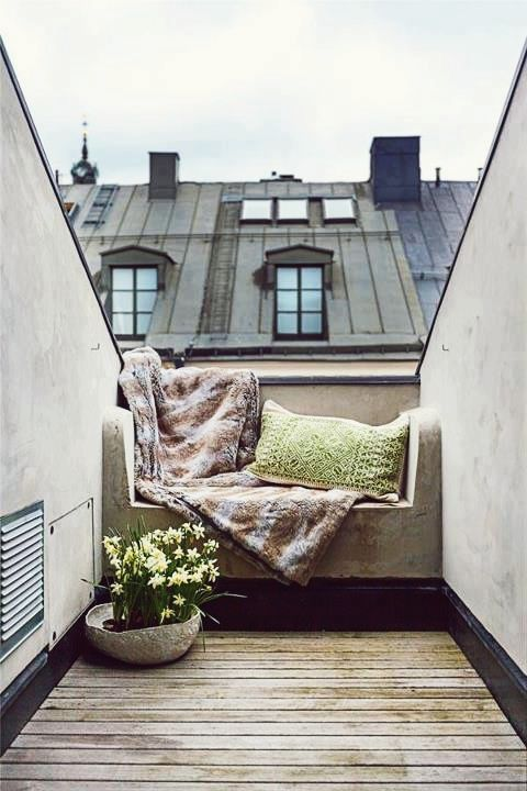 ahh to be sat reading in a quiet rooftop space
