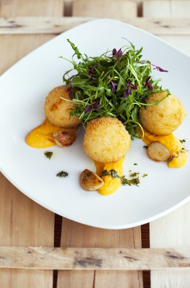 Brighton blue cheese, 'parmesan' and thyme arancini with squash puree, roast garlic and rocket salad.  FFFx