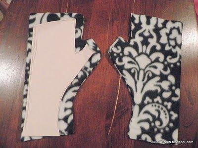 Julie B Green: DIY: Fingerless Fleece Gloves