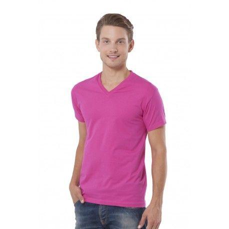 Camiseta urban v-neck 100% algodón. Esta camiseta es una opción económica y de calidad de cara al verano. La camiseta urban v-neck es barata y totalmente personalizable con serigrafía y bordado. Regalo promocional ideal para el verano.  http://www.kiopromotional.com
