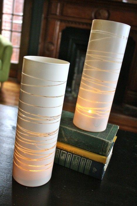 Een vaas, elastiekjes en een spuitbus met