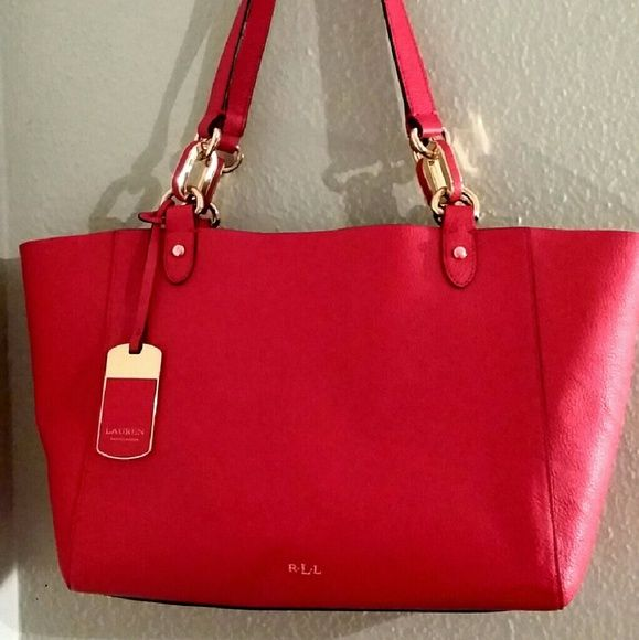 Small red Ralph Lauren tote bag Used small red Ralph Lauren tote bag in good condition. I purchased it for $138, used it for about 5 times. Ralph Lauren Bags Totes