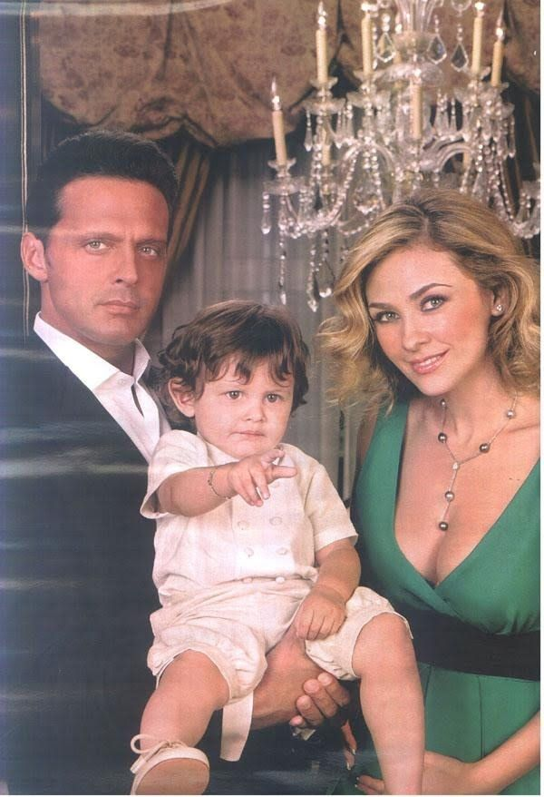 10 best images about Luis Miguel on Pinterest | Mesas, 20 ...