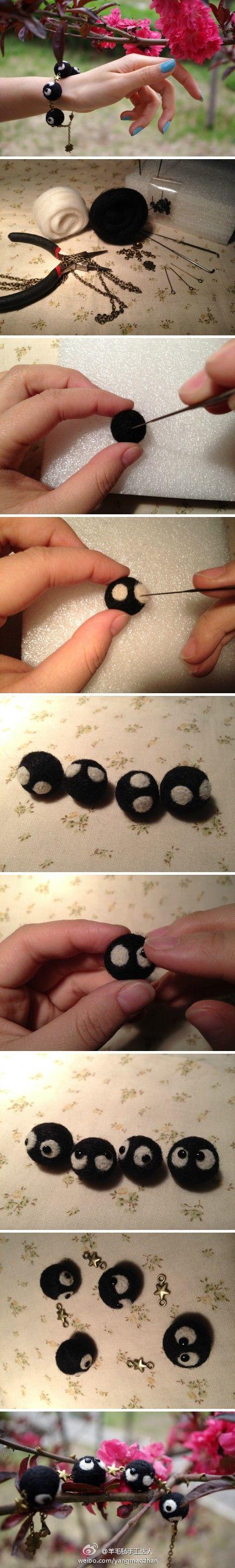 Bracelet boule de suie en laine feutrée