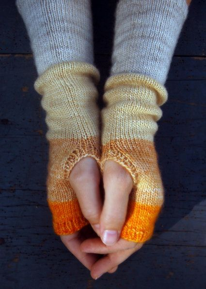 Knitted Hand Warmers Free Patterns : Free Knitting Pattern - Fingerless Gloves & Mitts: Color Block Hand Warme...