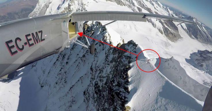 Французы совершили прыжок с одной из вершин Альп и в свободном падении спланировали точно в открытую дверь пролетавшего самолета.