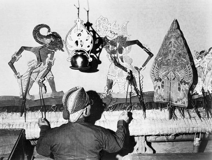 Wayang kulit (shadow-puppet theatre), Java, Indonesia