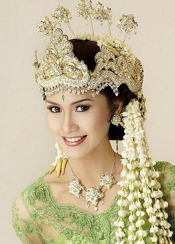 Vintage hair comb Indonesia Sumatra headpiece by ElrondsEmporium