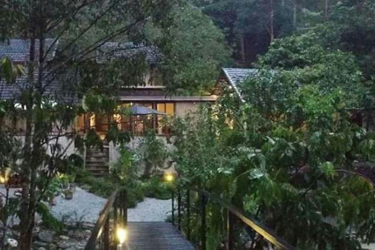 Rumah Kebun Hulu Langat, Malaysia -  Semungkis river.