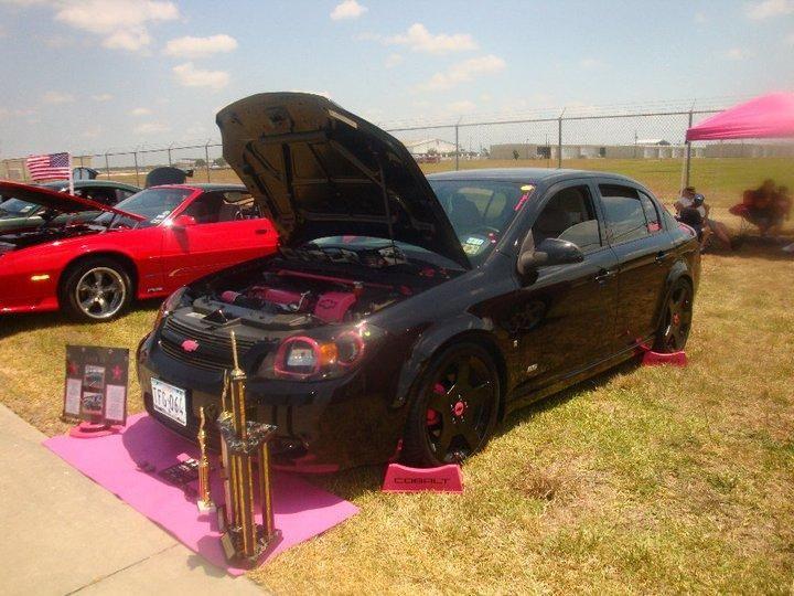pink and black 2007 Chevrolet Cobalt