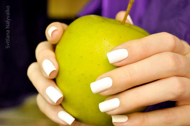 белый лак для ногтей Inglot O2M Breathable Nail Enamel 601 косметика