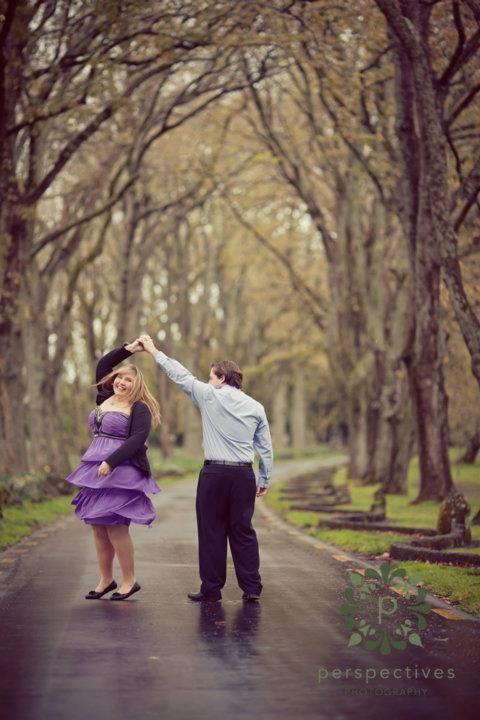 Plus sized brides...Engagement Pic poses??? :  wedding engagement overweight pic picture pictures plus pose poses size sized weight Twirl