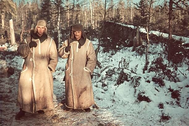 World War II Lapland Front (Finland / Norway): German soldiers in leather fur coats - without further details - 1943 - Photographer: ullstein - Sachse - pin by Paolo Marzioli