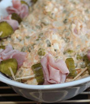 Een koolhydraatarme huzarensalade met bloemkool in plaats van aardappelen. Klinkt gek, maar is ongelofelijk lekker! Durf jij het aan?