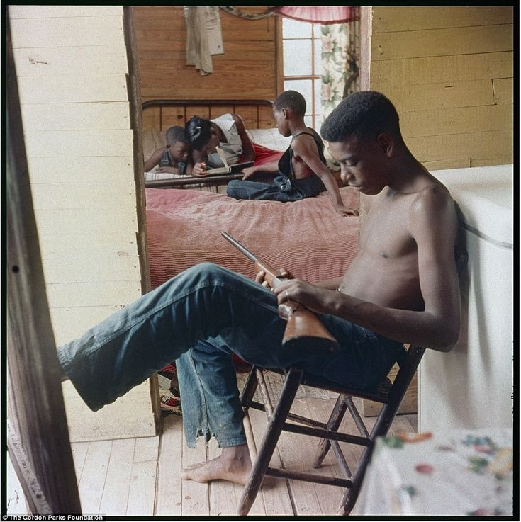 The series represents one of Parks' earliest social documentary studies on color film
