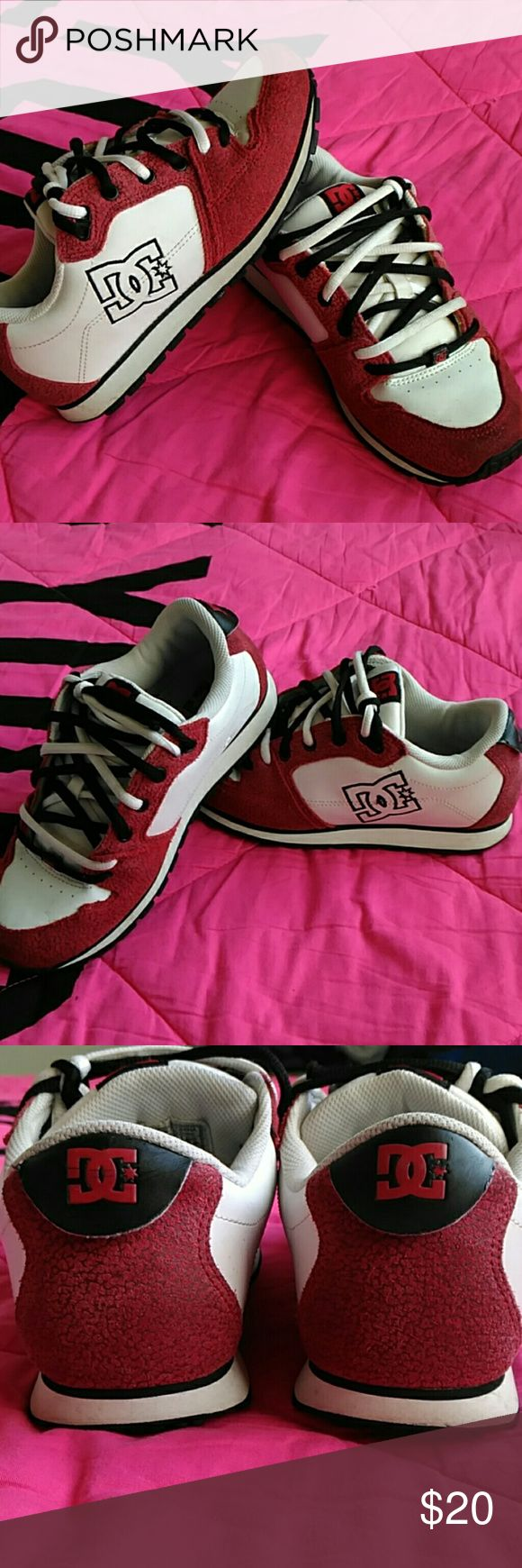 DC SHOES CO USA DC SHOES Size 6.5L Really nice condition  Lots of life left Cleaning out my closet Nothing wrong with SHOES at all Short shoelaces that's it Very comfy  Not worn much These even look nicer in person DCSHOESUSA Shoes Sneakers